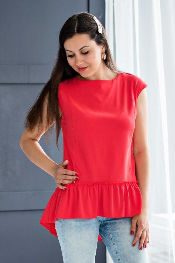 Блузка з рюшею 0